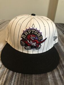 PRE-OWNED NEW ERA 59fifty HARDWOOD CLASSIC TORONTO RAPTORS HAT SZ 7 3/8 WHITE