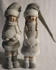 Dekoration Winterkinder mit Skiern und Strickmütze stehend Junge+Mädchen 12 cm h