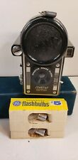 VINTAGE 1960s SPARTUS PRESS FLASH CAMERA WITH BOX AND PAPERWORK AND 2 FLASHBULBS