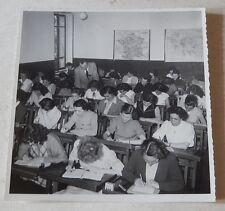 Ancienne PHOTOGRAPHIE Classe d'ECOLE de sténo avec Cartes Scolaires