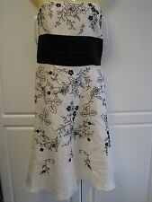 WHITE HOUSE BLACK MARKET EMBROIDER FLORAL IVORY STRAPLESS SILK DRESS SIZE 8 NWT