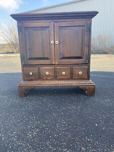 Ethan Allen Dark Antiqued Pine Old Tavern Console Cabinet