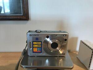 Sony Cyber-shot DSC-W70 7.2MP Digital Camera Silver