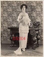 "GRETA NISSEN Vintage Original Photo 1926 ""THE LUCKY LADY"" LINEN BK RARE Portrait"