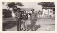 1940s 50s Vintage FOUND PHOTOGRAPH bw FREE SHIPPING Original Snapshot 96 21 YY