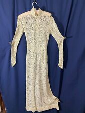 1930's Cream Lace Gown- S- Mother-of-Pearl Buttons & Buckle- ELEGANT - SALE