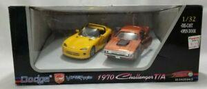 Dodge Viper RT/10 & 1970 Dodge Challenger T/A  1:32 Scale Die Cast