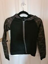 Bx4) Boys size 8-10 Black Camo Zipped Hoodie Jumper Style Top