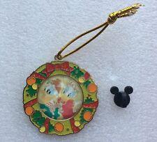 Pins DISNEY LIMITED EDITION of 300 Disneyland HONG KONG Official trading 2010