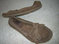 "MINNETONKA Women's ""Kilty Suede Moc"" Leather Moccasins Women's Sz 7 Brown"