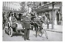 rp16858 - Traffic Policeman outside Gaiety Theatre , London - photo 6x4