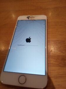 Apple iPhone 7 - 32GB - Rose Gold (Unlocked) A1778 (GSM) broken screen