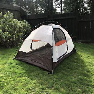 EUC ALPS Mountaineering Meramac 2 person Tent 6 lbs 2 Oz - 38 square feet