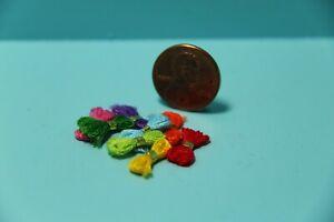 Dollhouse Miniature Sewing Bundles of Thread 8 Pieces IM65026