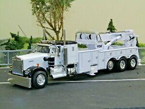 "Dcp Custom black/white KW W900A 36"" sleeper tri axle rotator wrecker 1/64"