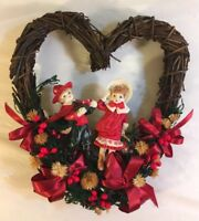 House of Lloyd Christmas around the World Children's Heart Wreath - Wood Ribbon