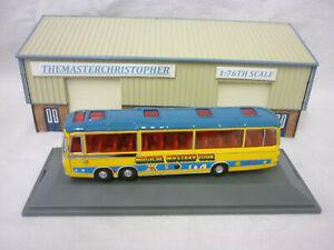 Corgi CC42418 Beatles Magical Mystery Tour Bus