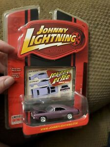 "JOHNNY LIGHTNING '69 DODGE CHARGER JOHNNY RETRO R3  ""PURPLE"""