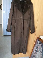 Manteau marron foncé peau lainée retournée