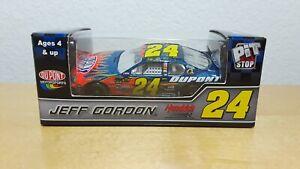 2007 Jeff Gordon #24 Dupont - Nascar Diecast 1/64 NIB