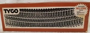 LOT OF 10 TYCO HO SCALE CURVED TRACK. (10C)