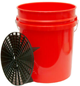 Grit Guard Wash Bucket- red with Black Grit