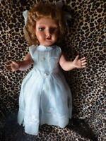 50cm  tres ancienne poupée , gégé   vétements   organdi d origine ,chaussée nano