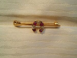 VINTAGE14K YELLOW GOLD BAR PIN WITH HORSESHOE 3 DIAMONDS AND 4 RUBYS  3.4 GRAMS