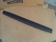 Moldura -- MB667222 -- Side molding.