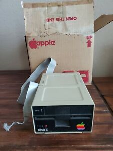 APPLE COMPUTER DISK II 5.25 FLOPPY DRIVE A2M0003 Untested with Box