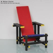 Art Deco miniatuur reproduction Gerrit Rietveld chair.