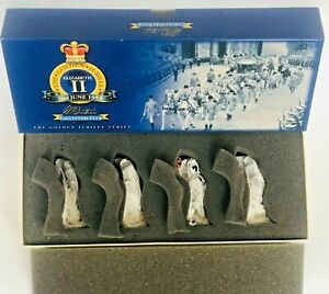 BRITAINS 40304: SET 1 PAKISTAN ARMY PIPES + DRUM MILITARY BAND - METAL SOLDIERS