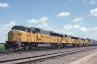 UP UNION PACIFIC Railroad Train Locomotives 1990 Original Photo Slide