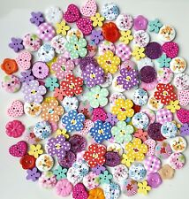 150 x LOVELY MIX OF WOODEN AND RESIN BUTTONS ASSORTED SCRAPBOOKING EMBELISHMENTS