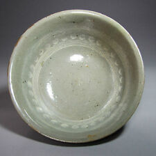 A Fine White Slip Inlaid-Chrysanthemum Korean Buncheong Bowl-15th C
