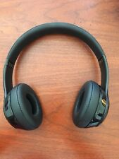 Beats Solo 3 Wireless Headsets Gloss Black With headphonesTalk cable user guide