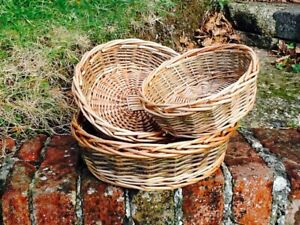 GORGEOUS UNPEELED & BUFF WILLOW ROUND SET OF THREE TRAYS.  SUPER CUTE