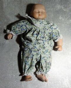 Puppe by Helga Matejka ca 22cm Baby Kleinkind Porzellan guter Zustand