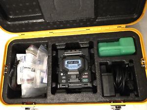 Fujikura FSM-60S ARC Fiber Fusion Splicer w/ CT-30 High Precision Cleaver