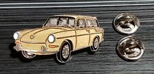 Volkswagen VW pin typ 3 Sedán 1500 Golden - maße 40x20mm