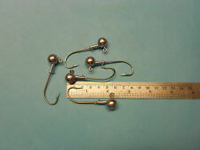 5 x 1/2 OUNCE ROUND JIG HEADS WITH SIZE 4/0 EAGLE CLAW HOOKS WITH SEAGUARD
