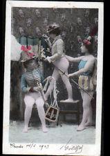 ARTISTE , NU de THEATRE / FEMME à l'HABILLAGE en tenue MILITAIRE EMPIRE 1903