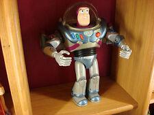 BUZZ L' ECLAIR Robot Figurine Disney Pixar parle anglais