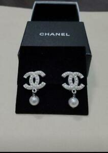 Auth CHANEL Vintage Pearl CC Logo Dangle Drop Earrings White Never Used F/S