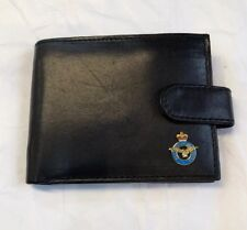 The Royal Air Force Mens leather wallet with badge