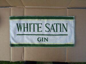 VINTAGE  WHITE SATIN GIN - PUB BAR BEER TOWEL BREWERIANA 887