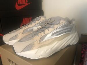Adidas Yeezy Boost 700 V2 Cream Men's GY7924 - NEW - Size 10