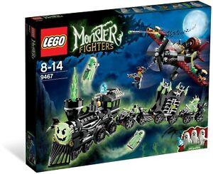LEGO Monster Fighters BNIB 9467 Ghost Train halloween biplane glow
