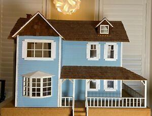 DuraCraft Farmhouse Dollhouse with Furniture!!