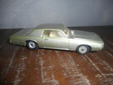 VOITURE COUPE FORD THUNDERBIRD DINKYTOYS N°4